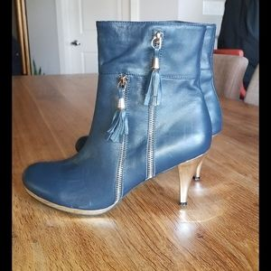 Ladies ankle boots  nice soft leather size 9